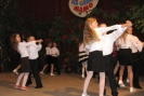 Klasa 2A przygotowała wraz z panią Heleną Wudarowicz dla swoich Mam dwa tańce oraz piosenkę.