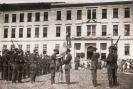 Przed wojną na dziedzińcu szkoły odbywały się wszystkie ważne uroczystości.