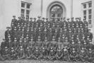 Zdjęcie 1 Kompanii (1 klasy) Korpusu Kadetów (batalion 1 i 2) z 11 listopada 1937 roku.  Dzień przysięgi i założenia munduru.
