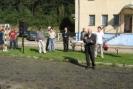 Gości przywitał oraz informacje o Jerzym Furmanie przedstawił dyrektor Andrzej Taukun